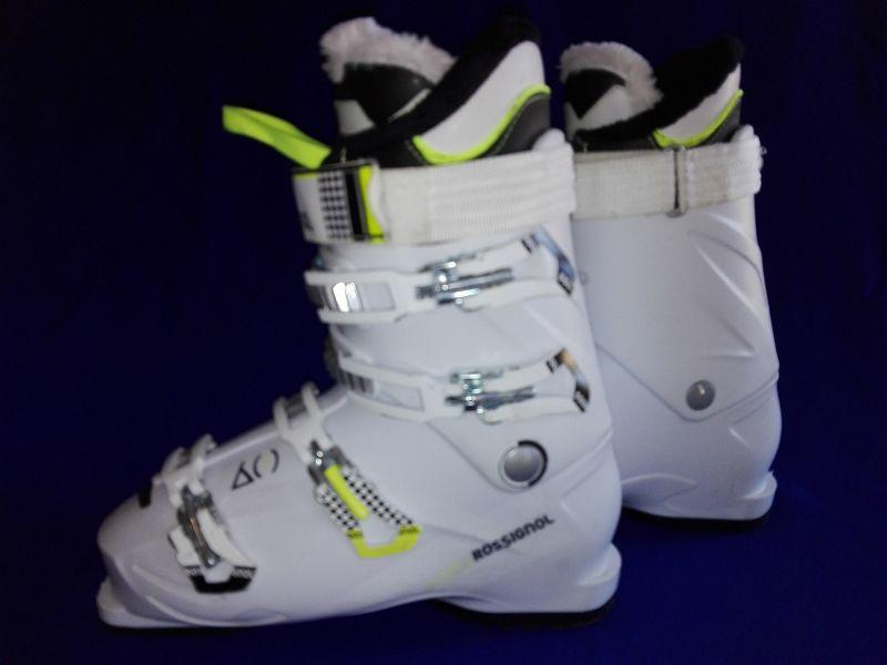 e6ad7a2e9497 Dámske zjazdové topánky Rossignol Kiara 60 W - model dámska lyžiarka. Ski  bazár v Prešove